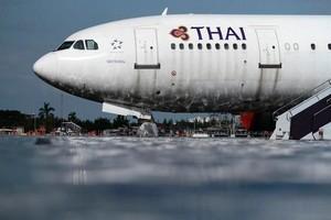 Самолет в аэропорту Таиланда